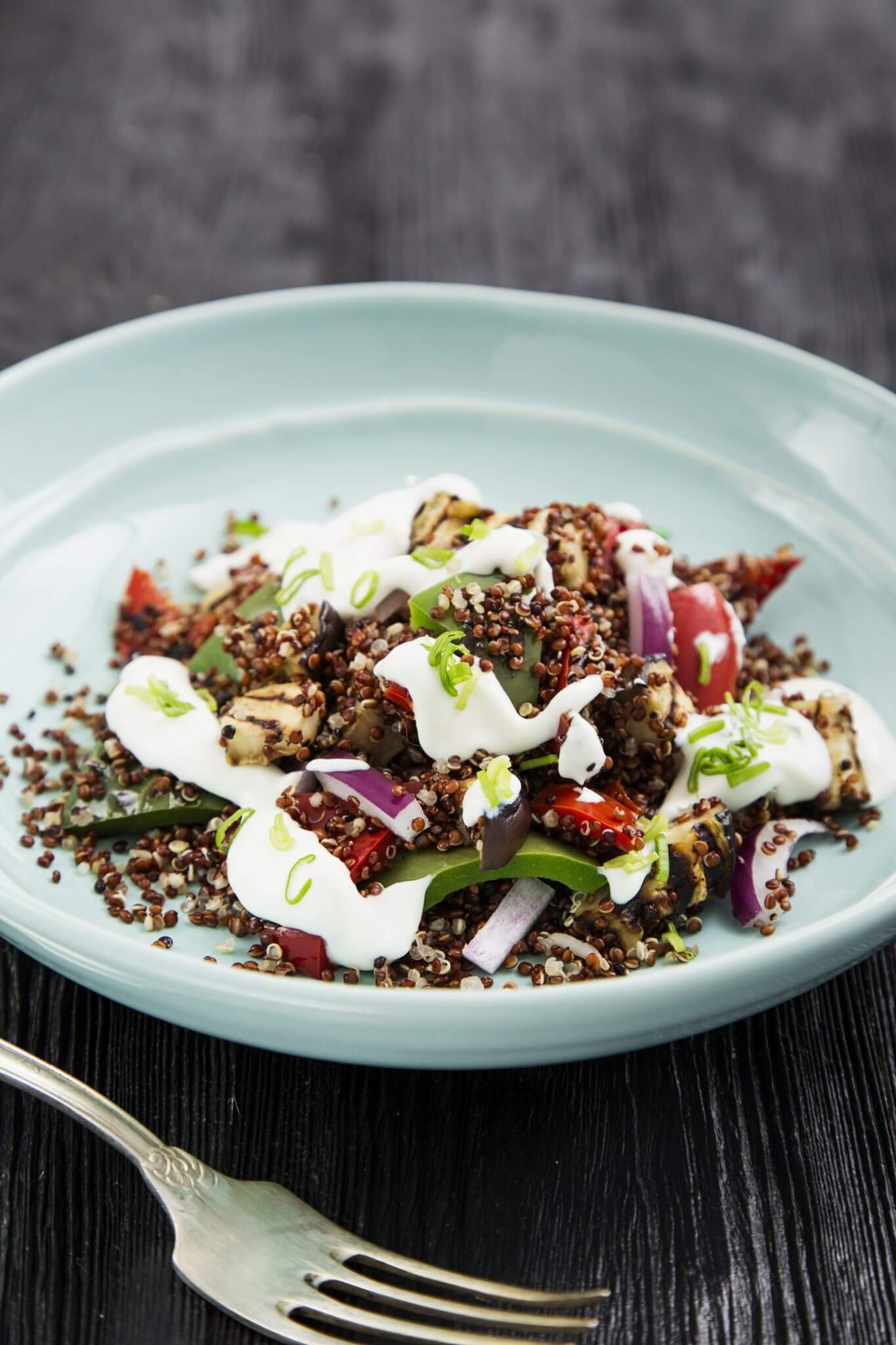 Quinoa z grilowanym bakłażanem