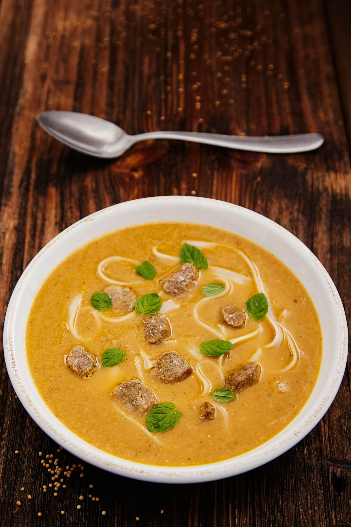 Zupa z jagnięciny z warzywami i miętą